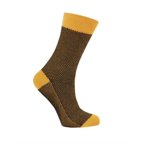 Schmeichle deinen Füßen und hinterlasse einen nachhaltigen Fußabdruck im Püncktchen-Stil. Fairproduziert von Anfang an. KOMODO-since '88
