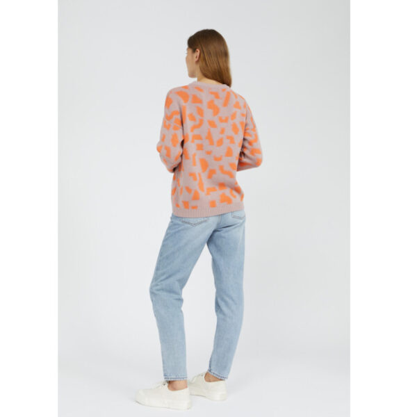 Frische Farben für neue Zeiten. Weiche Bio-Baumwolle kann auch bunt sein und trägt sich locker im lockeren Schnitt.